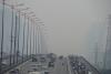 TPHCM: Sương mù kéo dài cả ngày do ô nhiễm môi trường