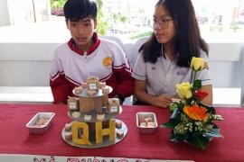 Học sinh làm xà phòng bảo vệ môi trường