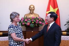 Phó Thủ tướng Phạm Bình Minh tiếp Đại sứ Tây Ban Nha Maria Jesus Figa Lopez-Palop. Ảnh: VGP/Hải Minh