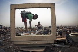 Rác thải điện tử toàn cầu tăng 'chóng mặt'
